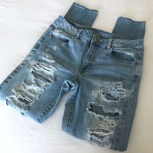 American Eagle High Rise Jegging Distressed Size 8